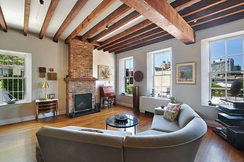 "The New York City apartment where actor Philip Seymour Hoffman died was described in the rental listing as ""the quintessential Village home."""