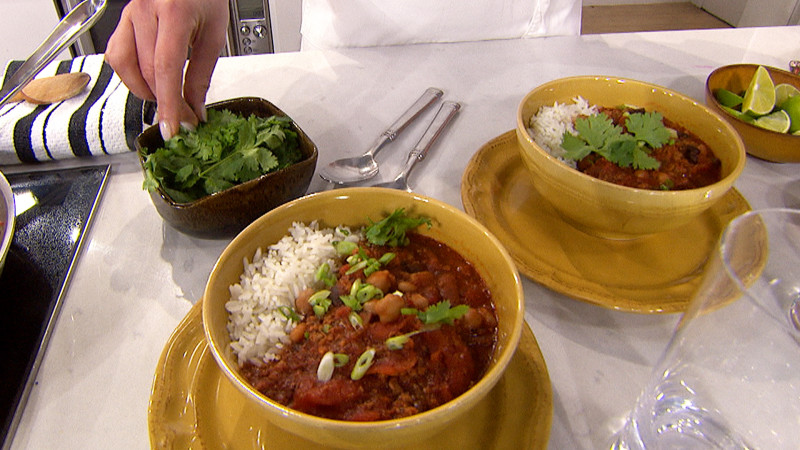 Katherine Heigl S Three Bean Chili With Sausage And Beef Today Com