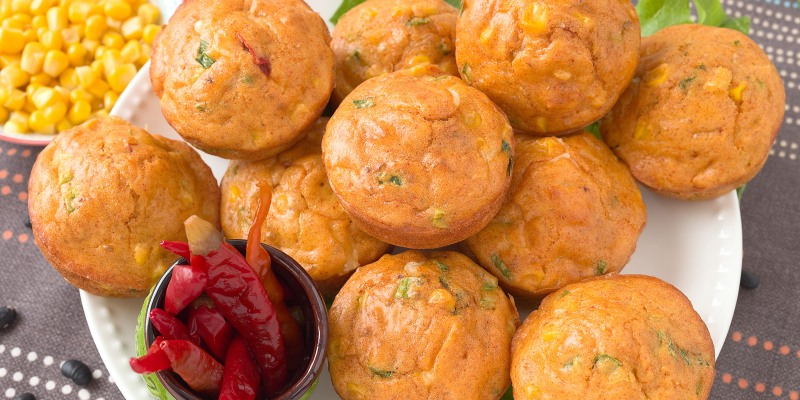 Ree Drummond S Green Chile And Cheddar Cornbread Muffins Today Com