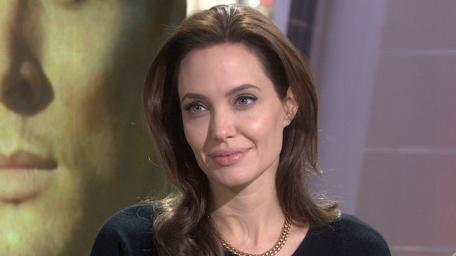 More video Angelina Jolie
