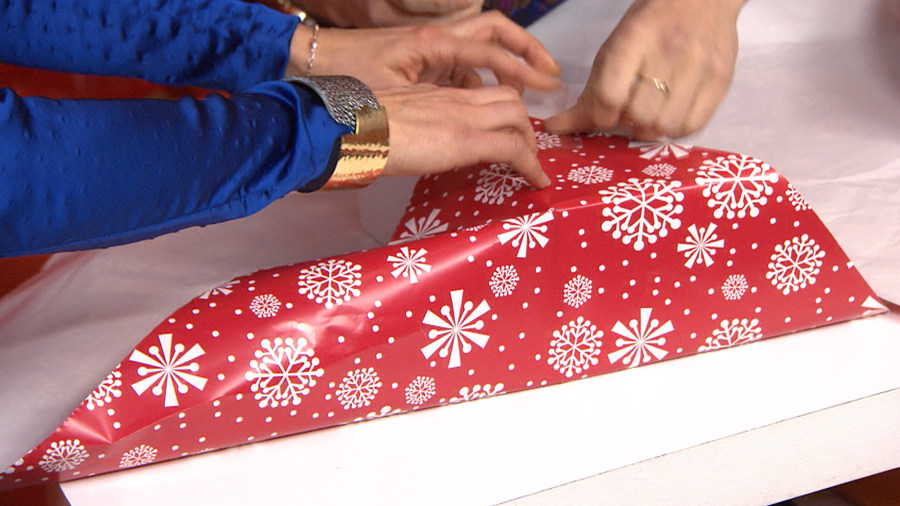 Holiday Hack Demonstrates How To Wrap A Present In Under