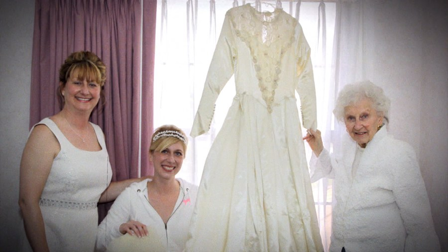 Wedding Dress For 40 Year Old Brides: 3 Generations Of Brides Share 1 Dress