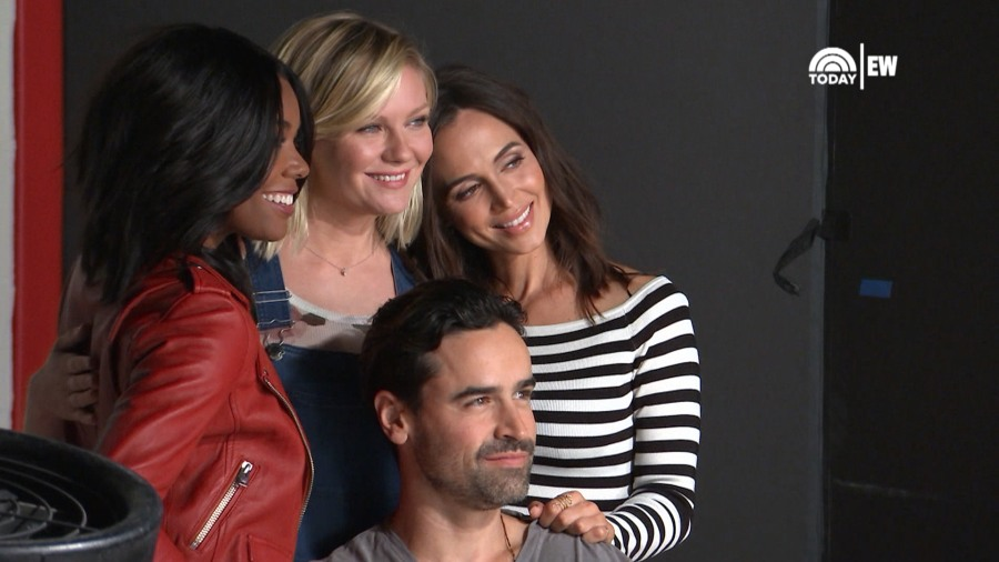 bring it on cast reunites cheerocracy 15 years after