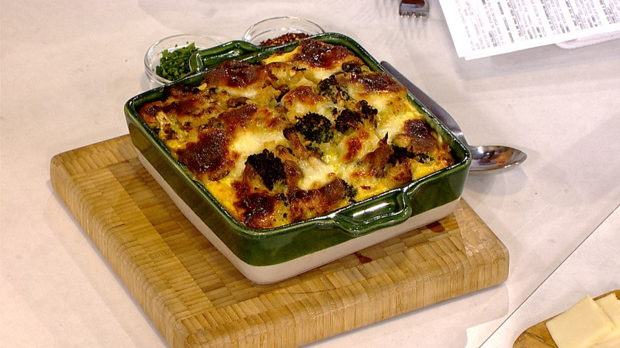 make this broccoli egg strata - Strata Egg Dish