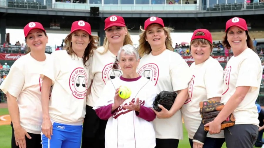 a leauge of their own Small-town sisters dottie and kit join an all-female baseball league formed after world war ii brings pro baseball to a standstill when their team.