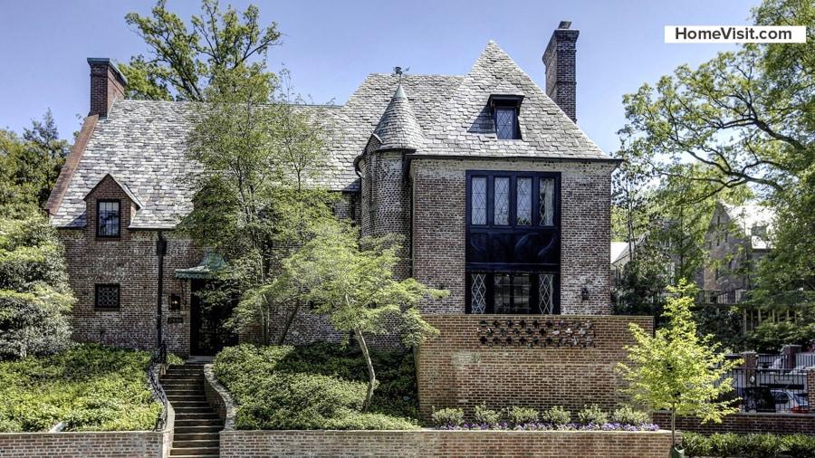 Obamas home take a tour of their new washington dc house - New home photo ...