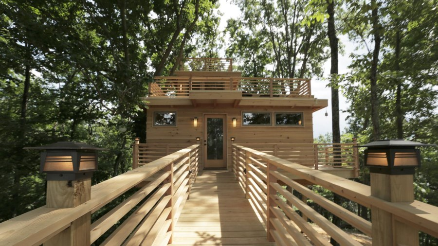 see inside a frank lloyd wright inspired treehouse