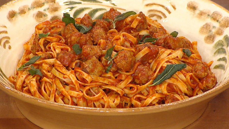 Pasta with italian sausage tomato sauce and crispy sage today tagliatelle with italian sausage hunky twin cooks make it twintastic forumfinder Images