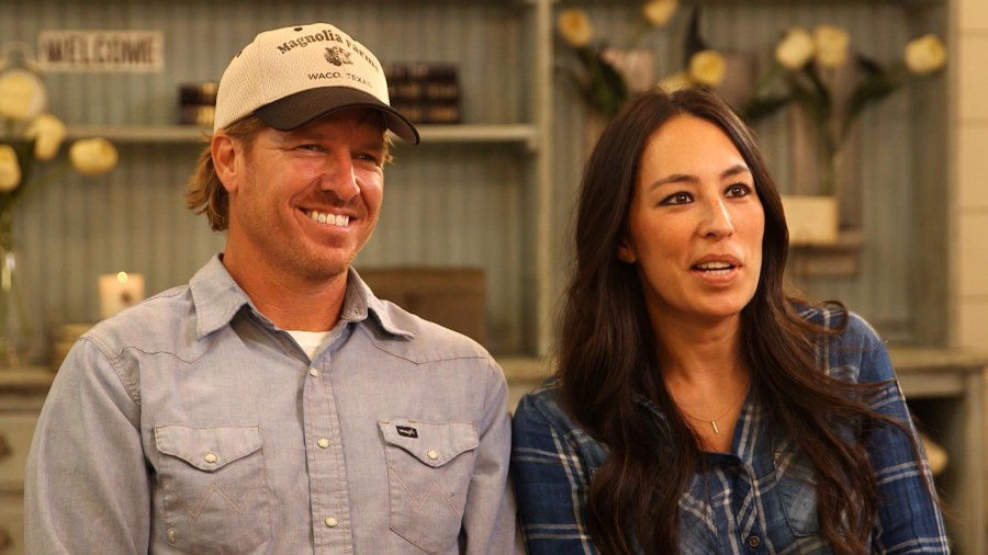 u0027fixer upperu0027 stars chip and joanna gaines on rise to fame how they make it work - Shows On Hgtv