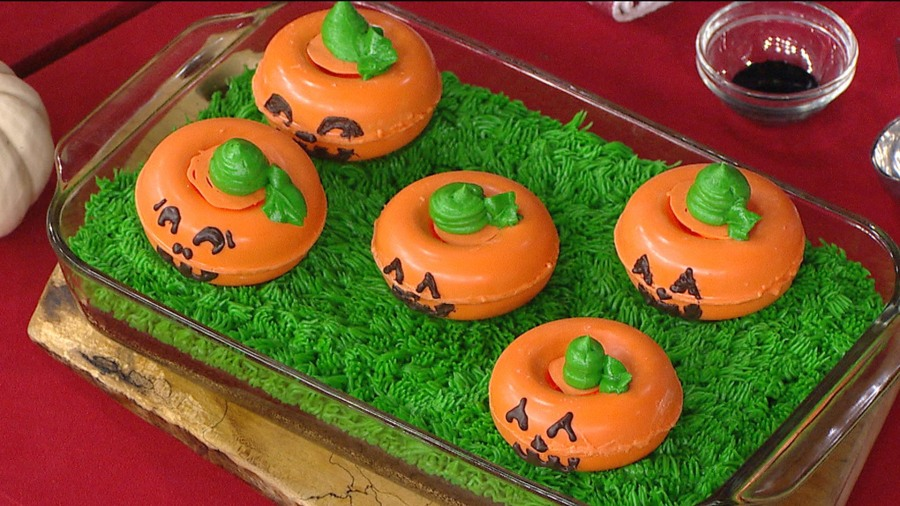 Halloween treat: These zombie brain cupcakes are to die for