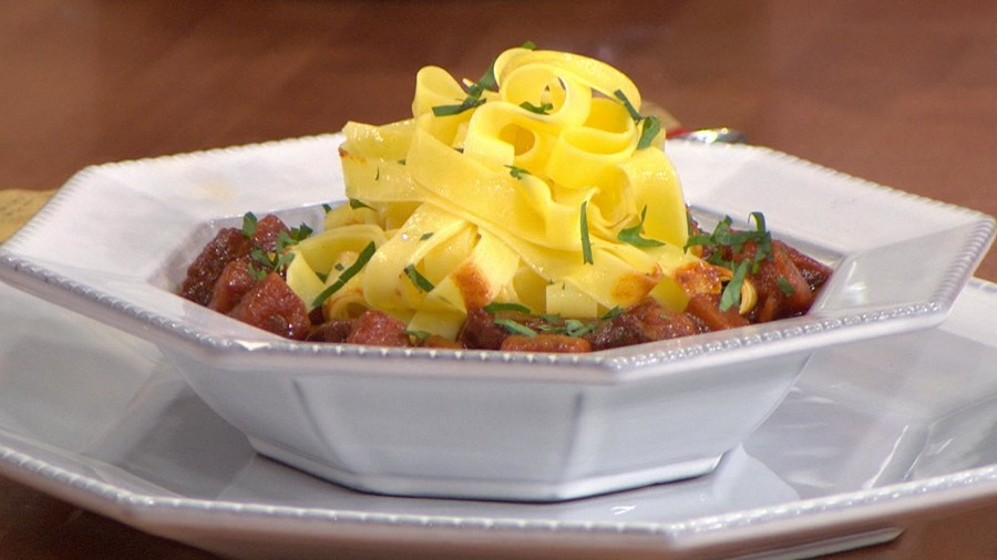 Traditional beef and vegetable goulash: Here's the recipe!