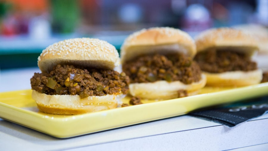Healthy super bowl recipes sloppy joes guacamole and buffalo sloppy joes with a side of guacamole try katie lees recipe for super bowl forumfinder Choice Image