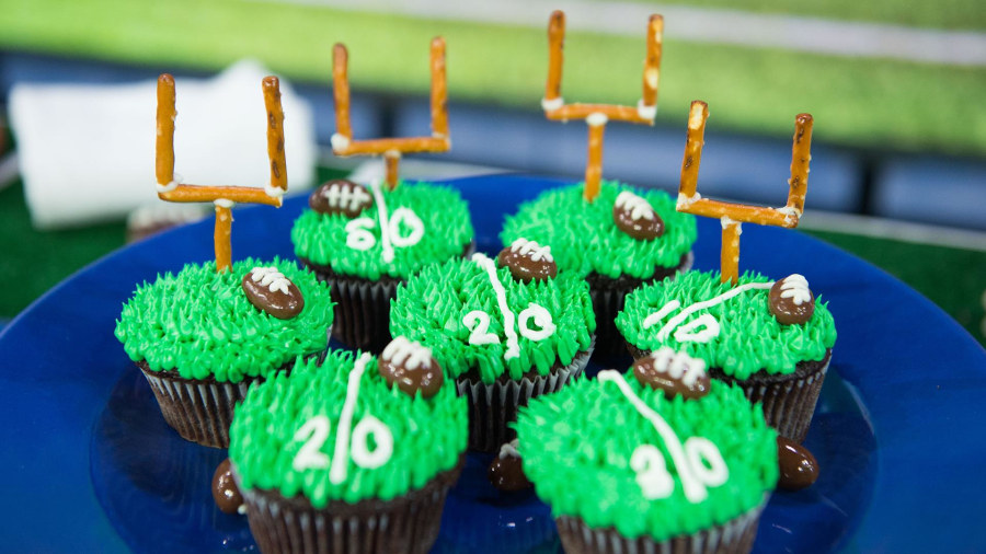 Cute super bowl desserts football cupcakes amp oreo truffles today