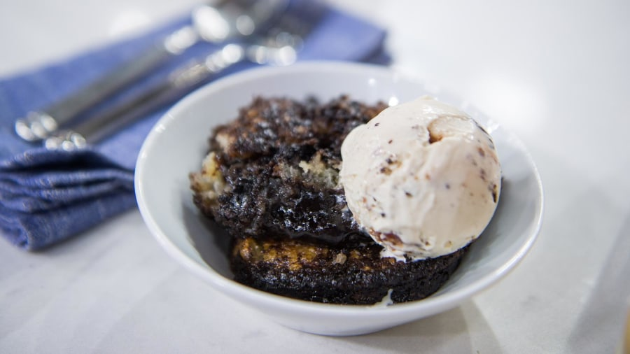 Chocolate cobbler, peanut butter banana pudding: 2 decadent desserts you need in your life