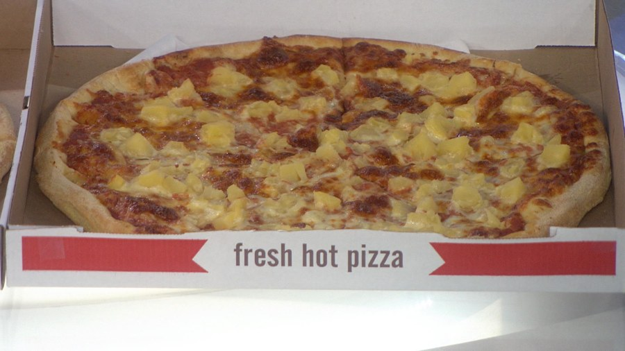 Iceland's president would ban pineapple on pizza if he could
