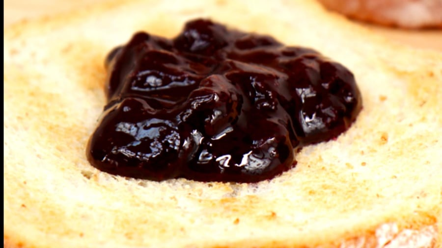 How to make chef Alex Guarnascelli's quick jam
