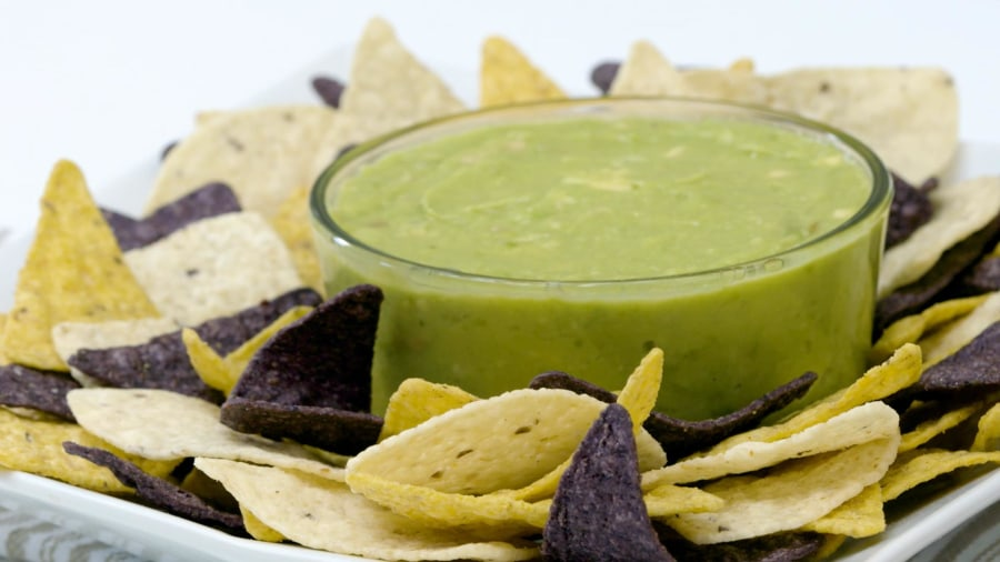 The best way to keep guacamole green, revealed