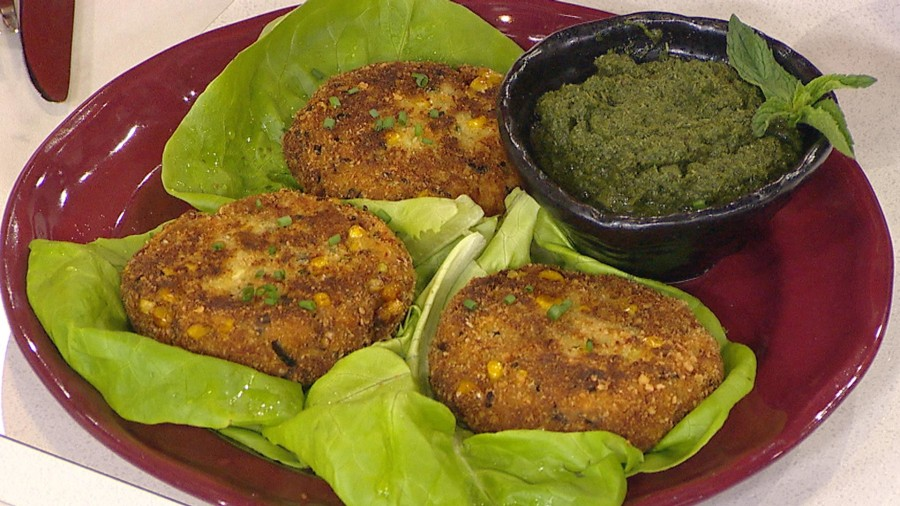 Spiced crab cakes: Padma Lakshmi of 'Top Chef' shows how to make them