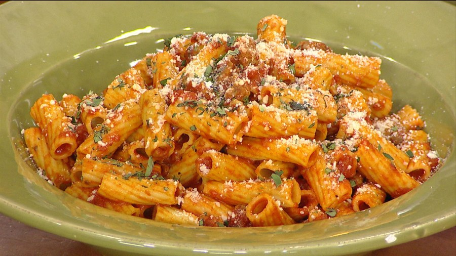 Rigatoni marinara, poppy seed chicken: Make them for under $20