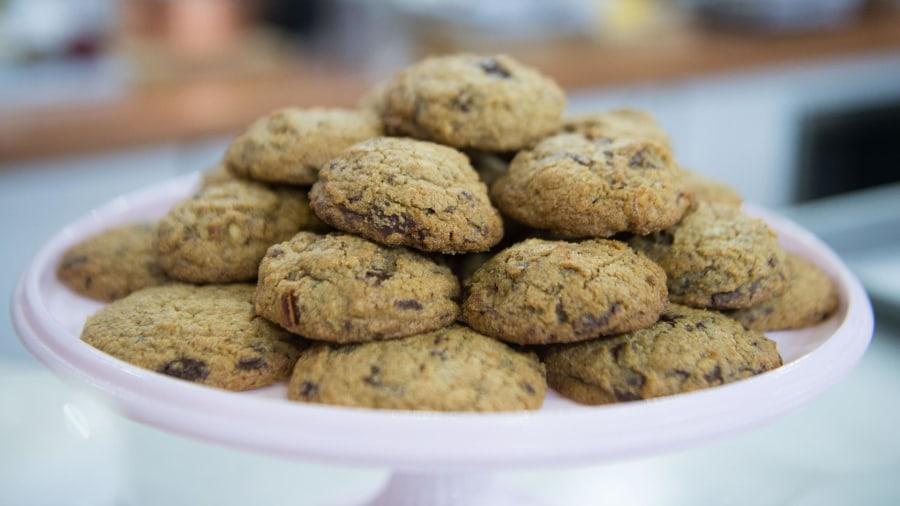 Grab Martha Stewart's secret ingredients for healthy chocolate cake and cookies