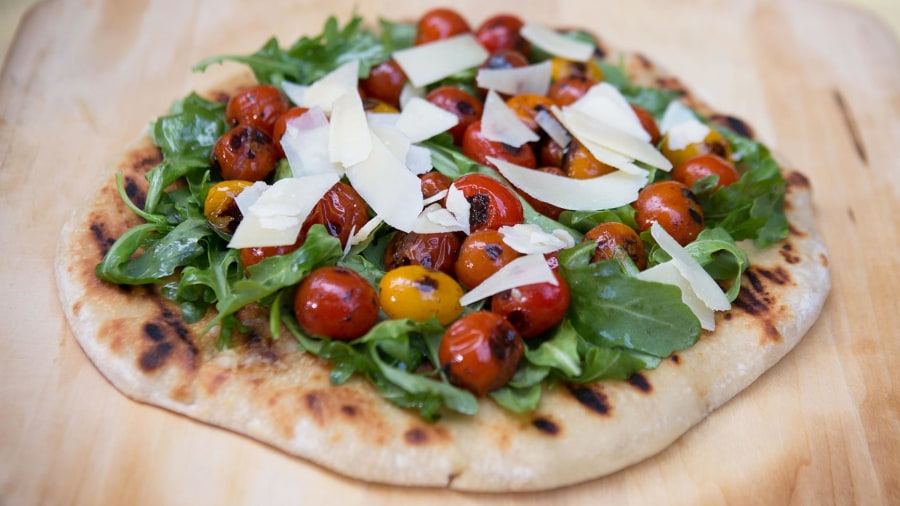 These 3 flatbread pizzas are quick and easy to make (and healthy too)