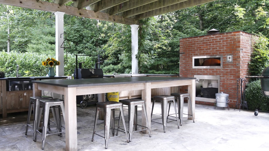 Bobby Flay reveals his favorite room: His outdoor kitchen