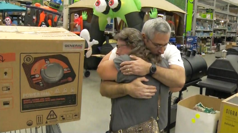 After waiting in line for hours, man offers last generator to stranger