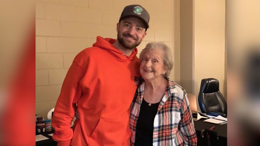 Justin timberlake met his 88 year old fan nammie and it was totally justin timberlake meets grandma from viral video and its delightful m4hsunfo