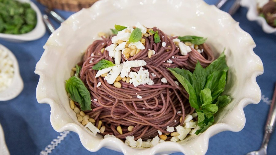 Cook up Ali Rosen's two delicious (and easy!) pasta dishes