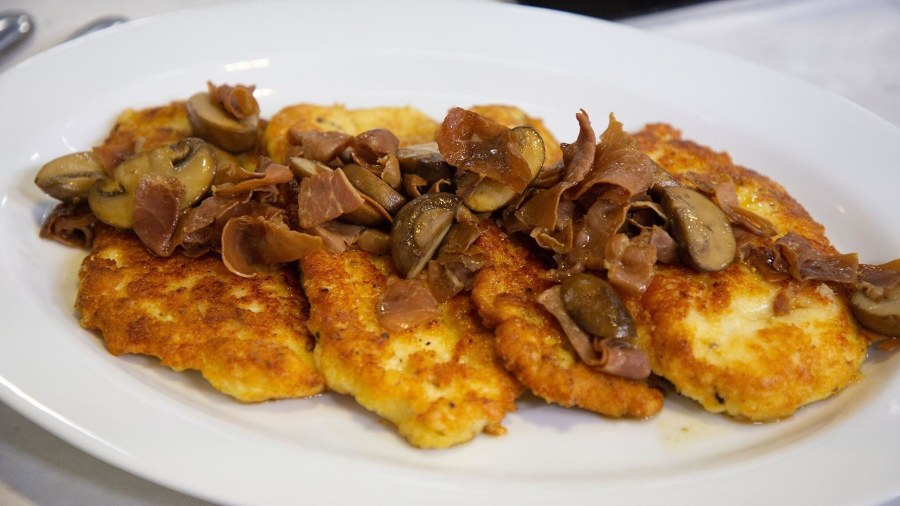Chef Adam Richman makes his mom's chicken marsala