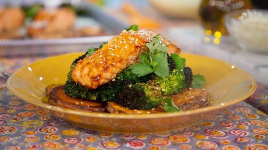Healthy dinner recipes: Make Jessica Sepel's 1-pan salmon and more