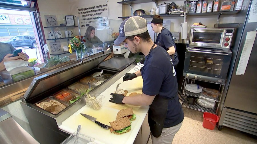 North Carolina café allows customers to pay what they can