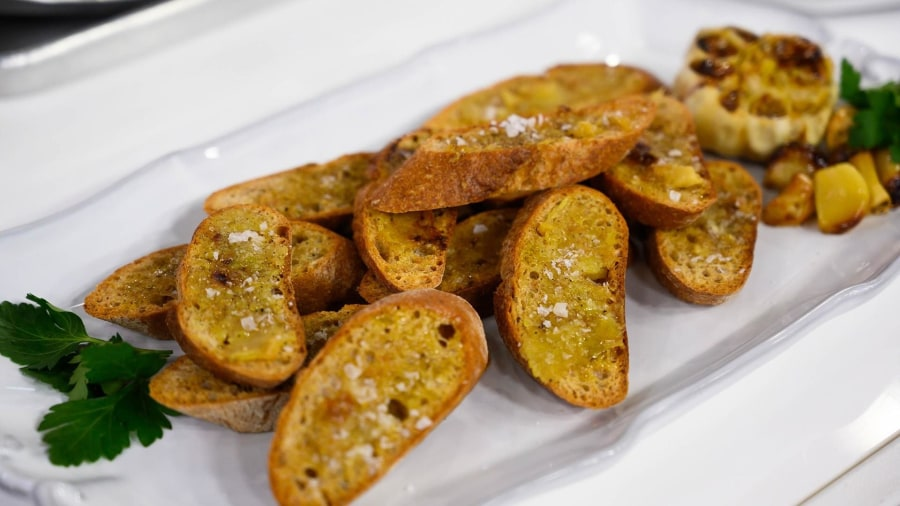 Superfood recipes: Make Joy Bauer's whole-grain garlic bread, more