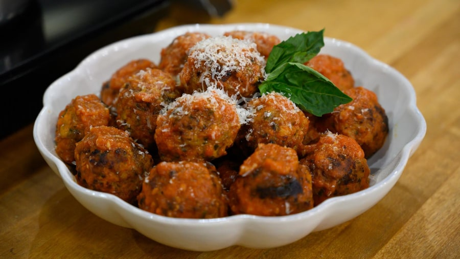 How to make Michael Symon's ricotta meatballs