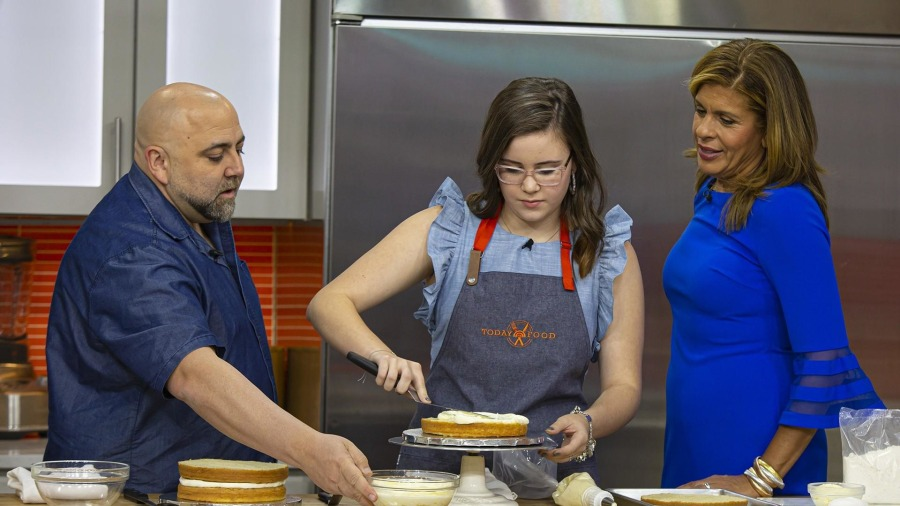 Duff Goldman shares how to make his signature cake