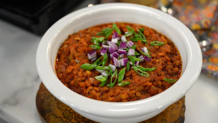 Guilt-free vegan chili that will score big on Super Bowl Sunday