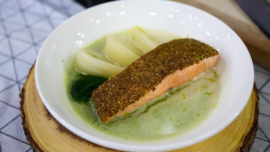 Salmon with braised fennel and curry: Learn how to make it at home