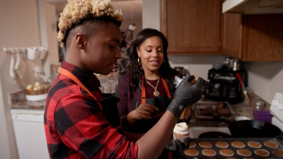 Teenage baker honors Martin Luther King Jr. in a special way