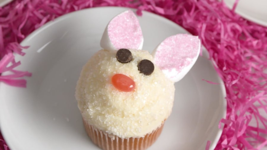 These easy bunny cupcakes make a great Easter craft for kids