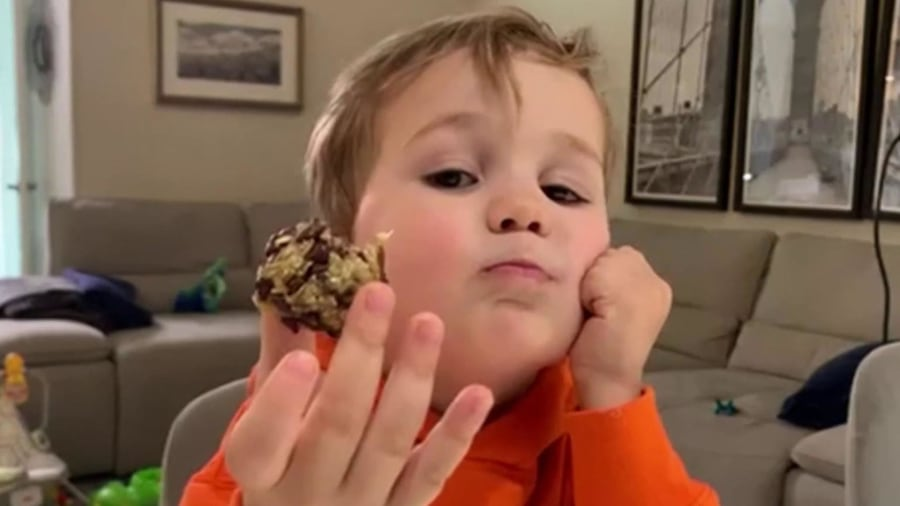 Watch Dylan Dreyer and son Calvin make oatmeal 3 ways