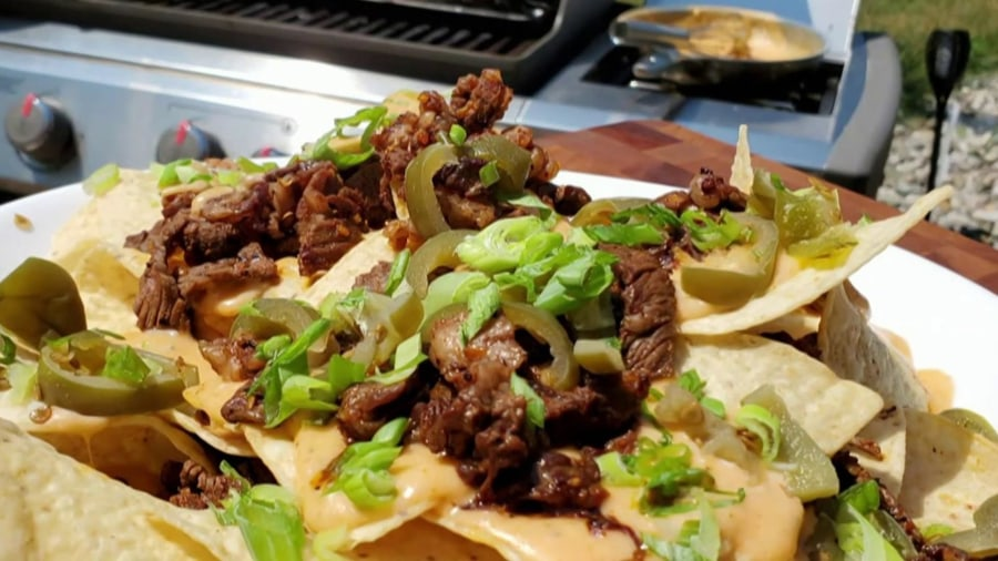 Make Sunny Anderson's Philly cheesesteak nachos