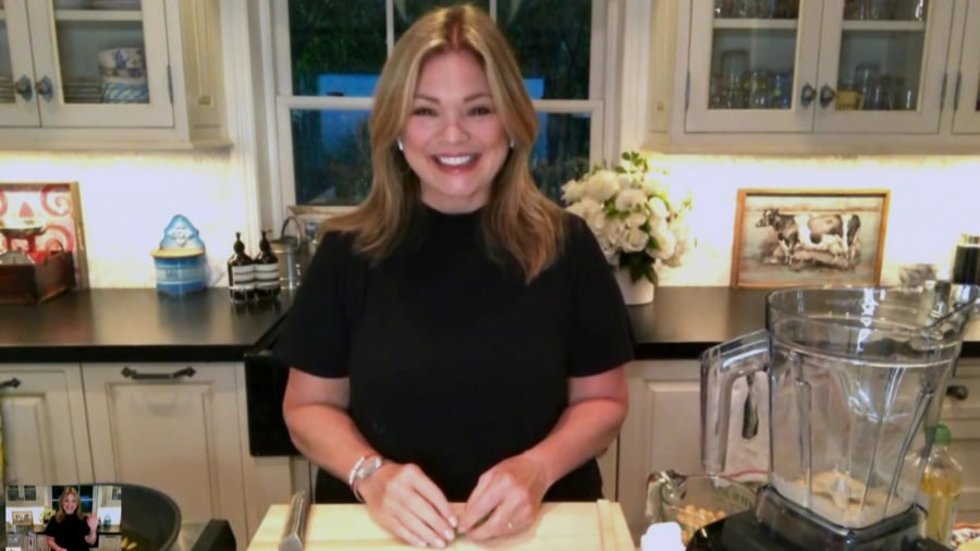 Valerie Bertinelli demonstrates how to make 4-ingredient hummus