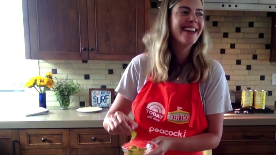 Siri Daly competes in Rokerthon with her turkey panini