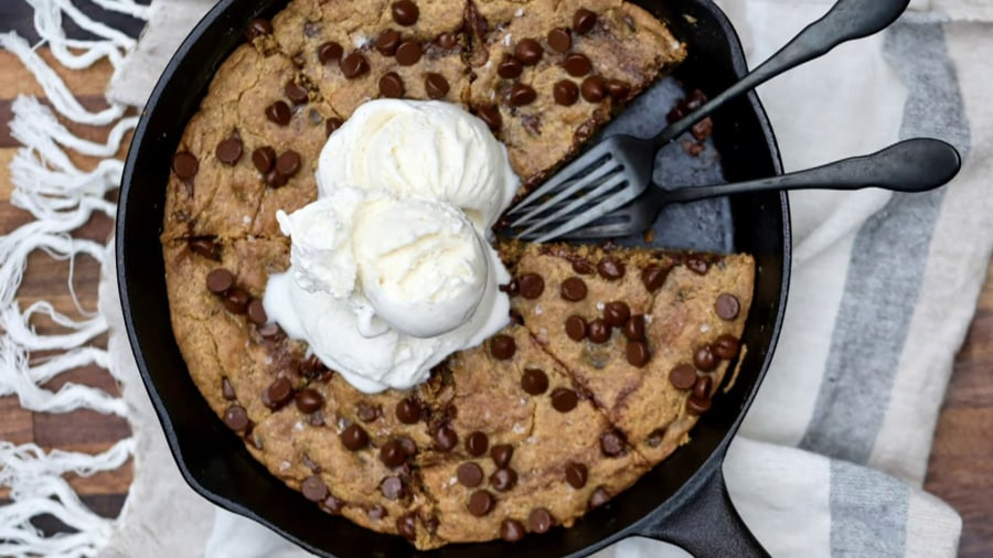 Make Joy Bauer's skillet peanut butter cookie
