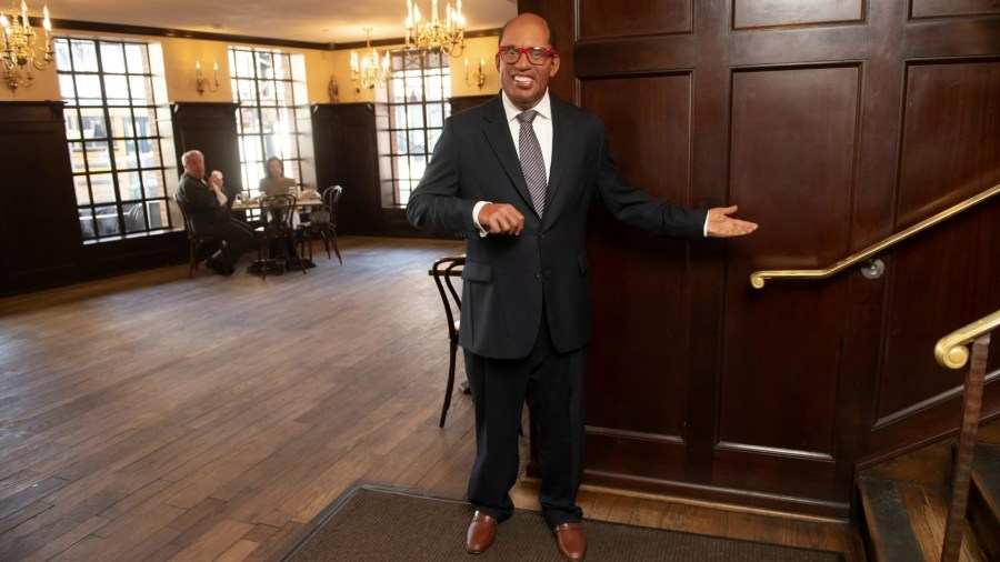 Al Roker and other celebs visit steakhouse (their wax figures, that is)