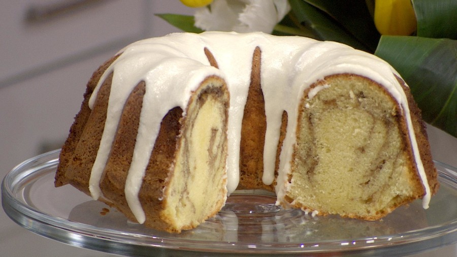 Cinnamon Roll Pound Cake Recipe
