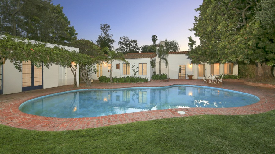 Marilyn Monroe Home marilyn monroe's home in brentwood, los angeles, sold - today