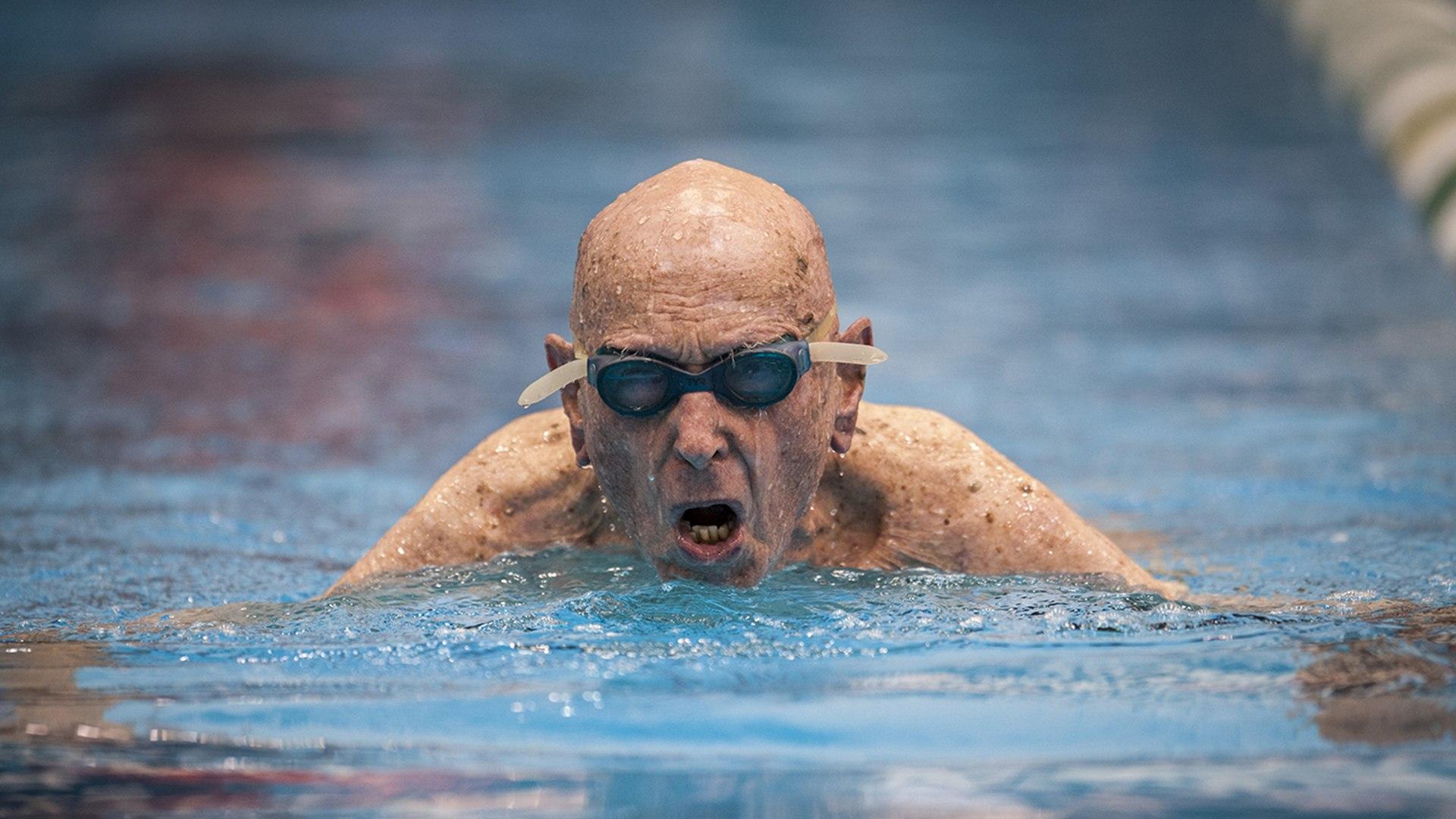 Russ Witte swimming