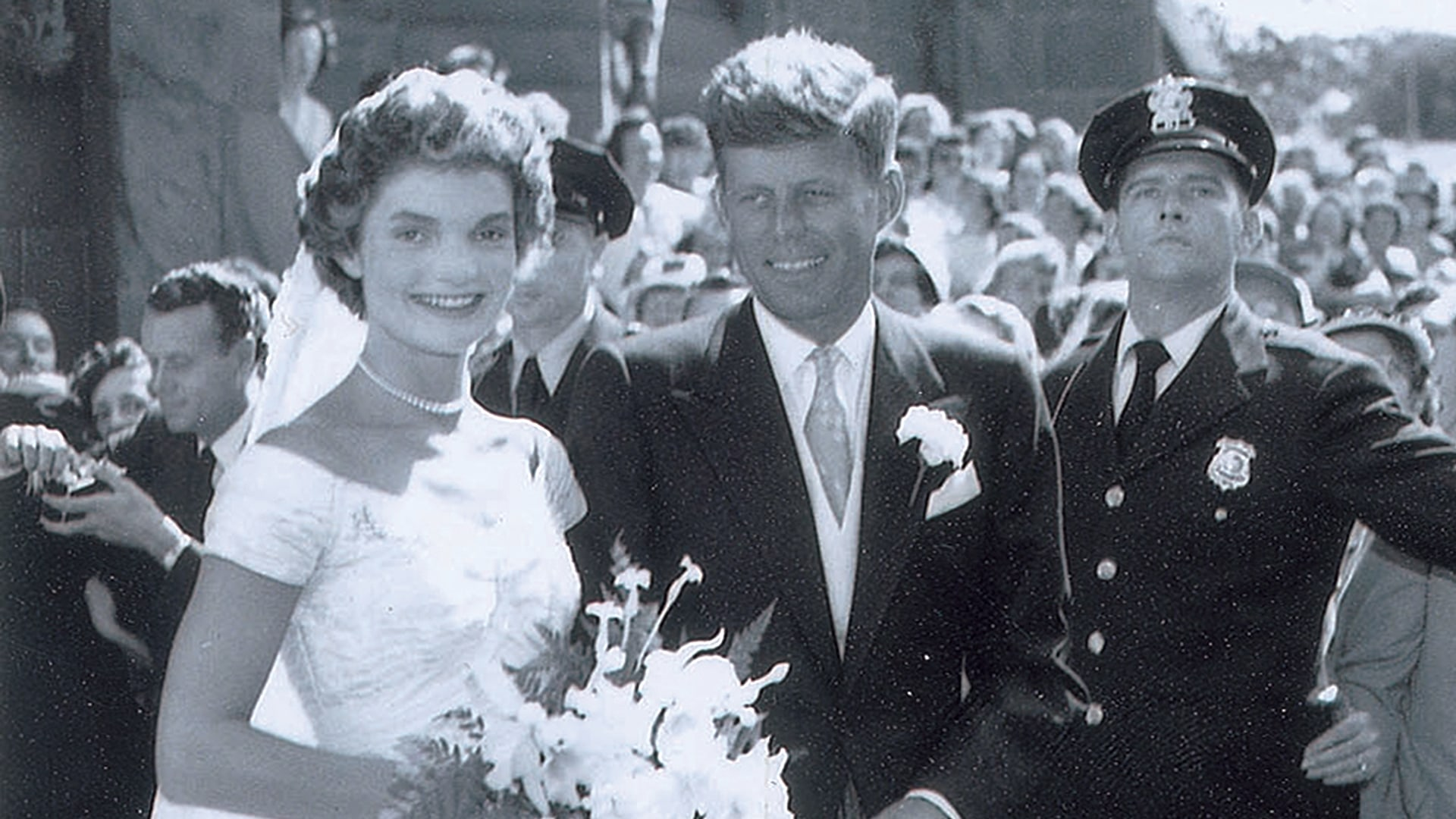 unseen jfkjackie kennedy wedding photos up for auction