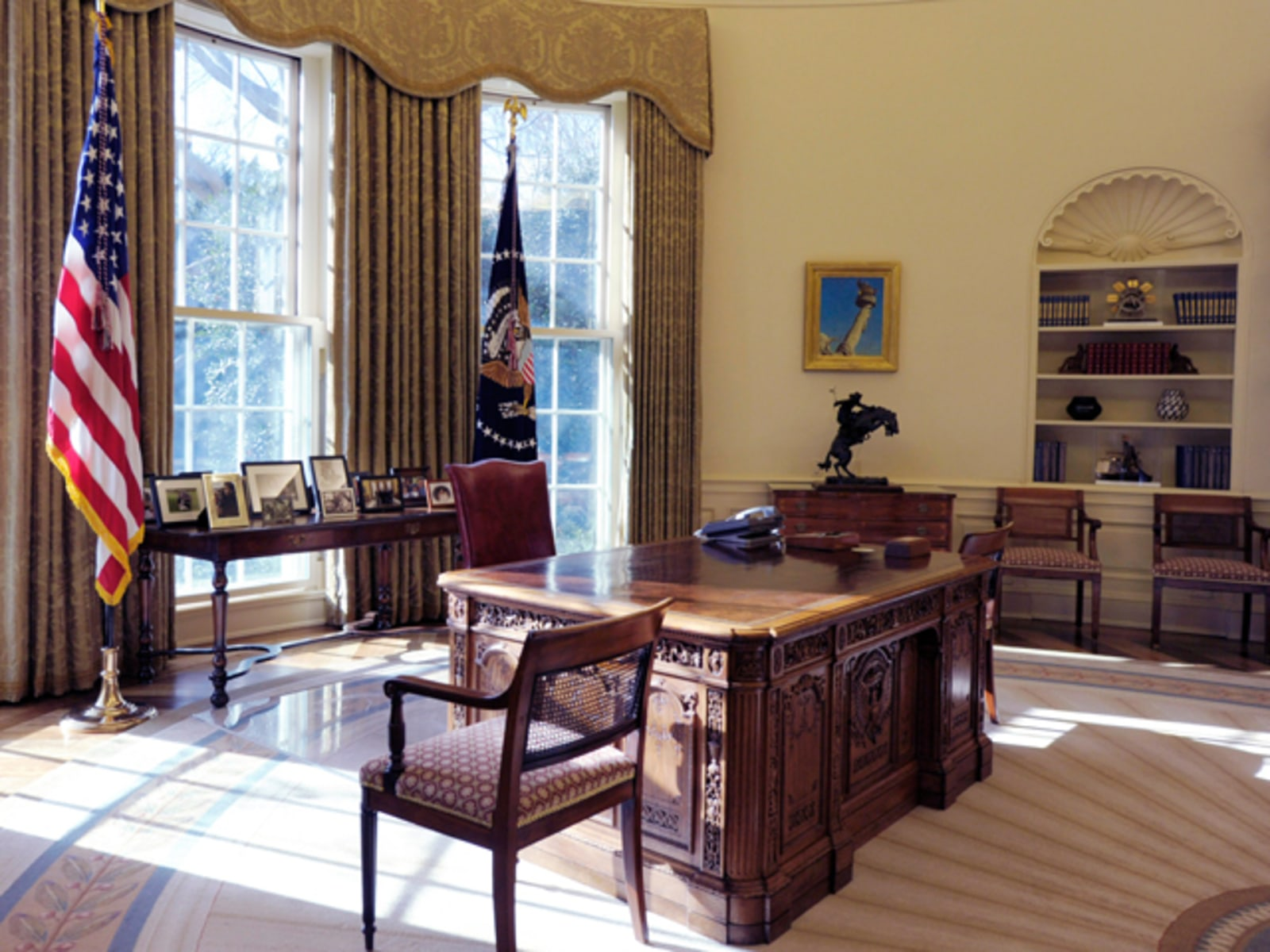 Image: Obama's oval office